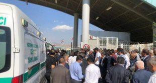 پیکر دو کولبر کشتە شدە به خانوادههایشان تحویل داده شد، همچنین ٩ کولبر بازداشت شدە نیز تحویل نیروهای هنگ مرزی ایران دادە شدند.